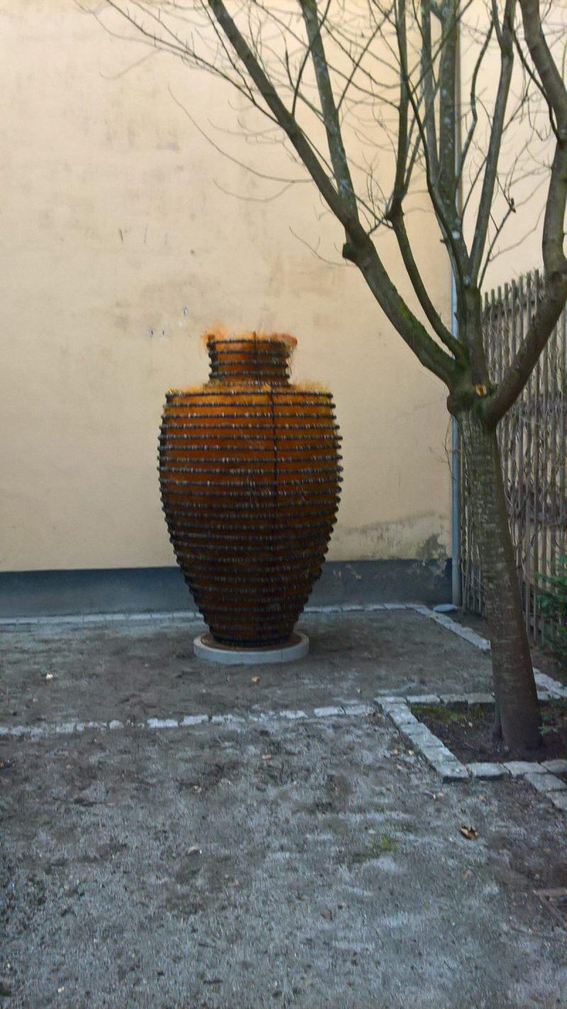 Krukken er nu opstillet på Kunstcenter Silkeborg Bad